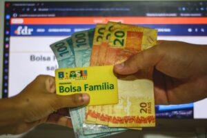 Governo Federal segue debatendo novo valor médio para o Bolsa Família